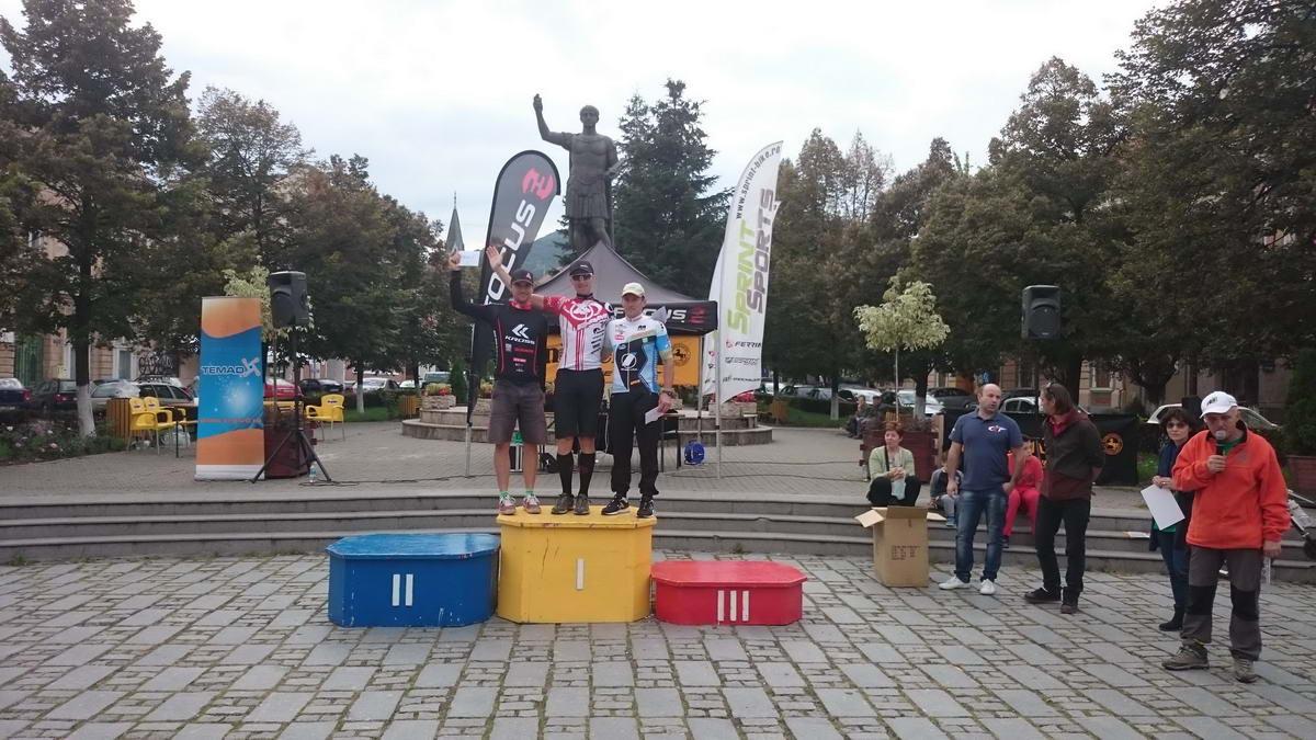 Trofeul Comitatului Hunedoara, 80km, 2900 denivelation: 1st place
