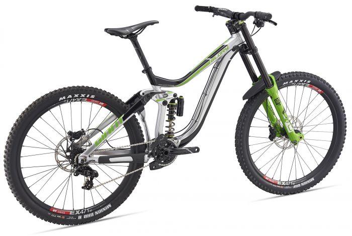 63f5a546cf8 GIANT Glory 1 2019 - DH kerékpár